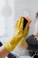 Yellow glove cleaning mirror with sponge