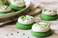 Green and white St Patricks Day cookies